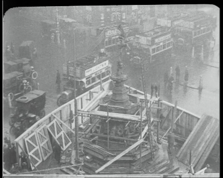 Eros is dismantled during the construction of the Piccadilly tube stations in 1925.