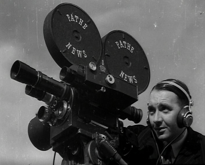 PATHE_PICTURES_LTD._OUR_CAMERAMEN_AT_WORK_2425_08_4