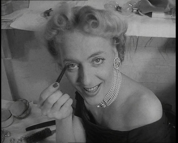 CHRISTINE_JORGENSEN_BROADWAY_DEBUT_2791_15_92